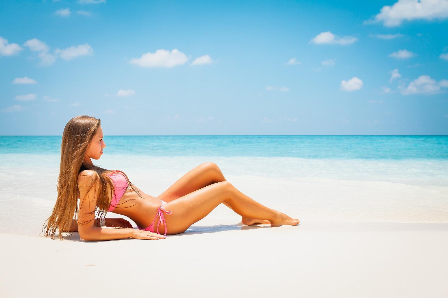 chica guapa playa